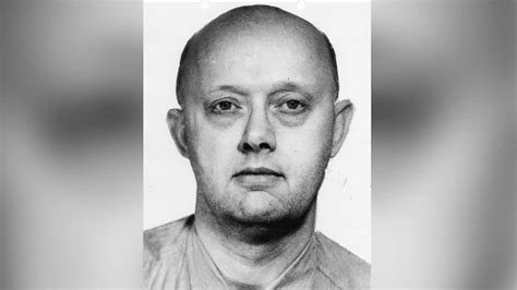Las Vegas shooting suspect's father was once one of FBI's