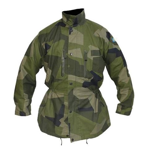 Which camouflage is more effective, military's or hunters
