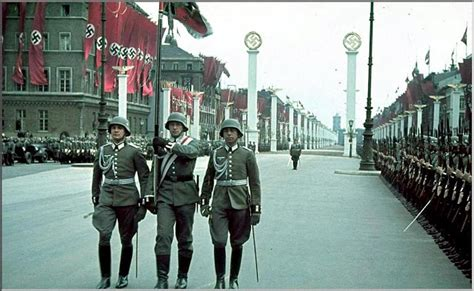PICTURES FROM HISTORY: Rare Images Of War, History , WW2