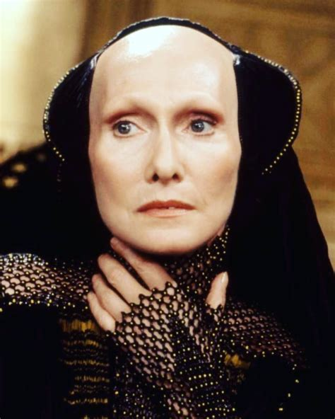 """New """"DUNE"""" Finds Their Reverend Mother Mohiam, find out"""
