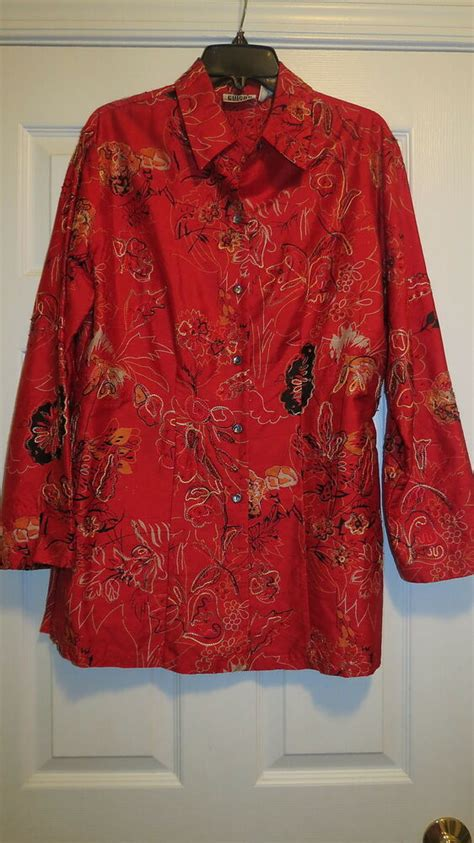 Chicos size 1 ladies silk shirt embroidered red long