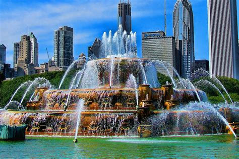 10 Top Tourist Attractions in Chicago (with Photos & Map